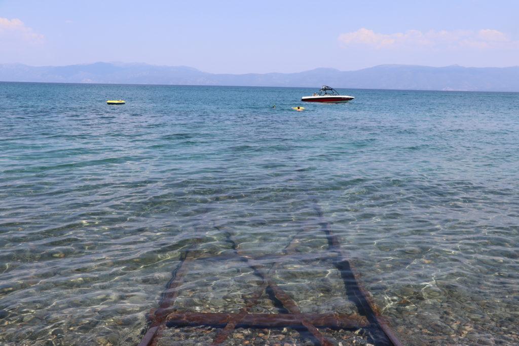 タホ湖、千と千尋の神隠し、ジブリ