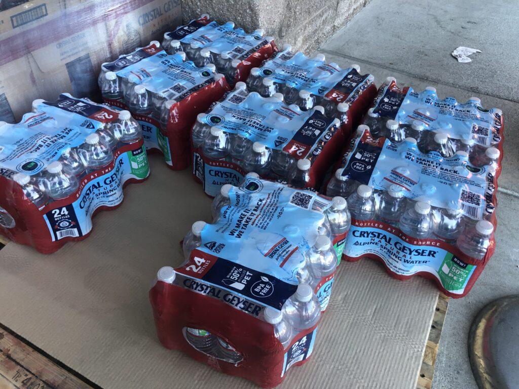 アメリカ、水のペットボトル