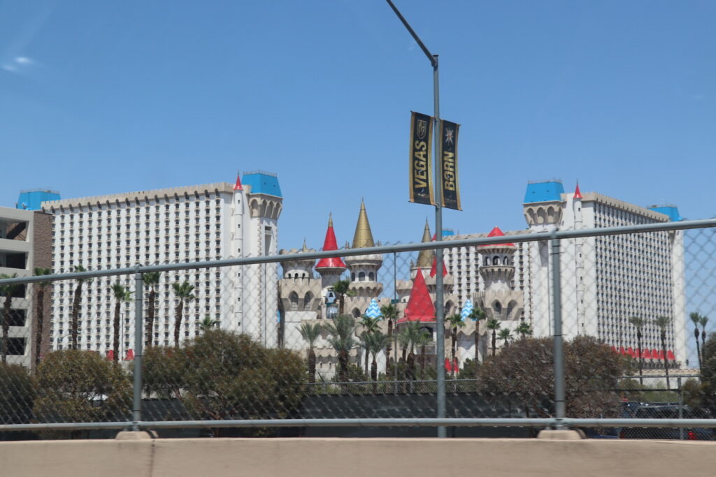 ラスベガス、パロアルト、カリフォルニア、ロードトリップ、エクスキャリバーホテル